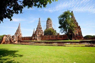 10469487-historico-templo-wat-chai-wattanaram-ayutthaya-tailandia